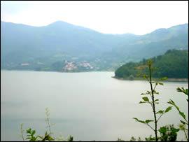 Lago del Turano in provincia di Rieti